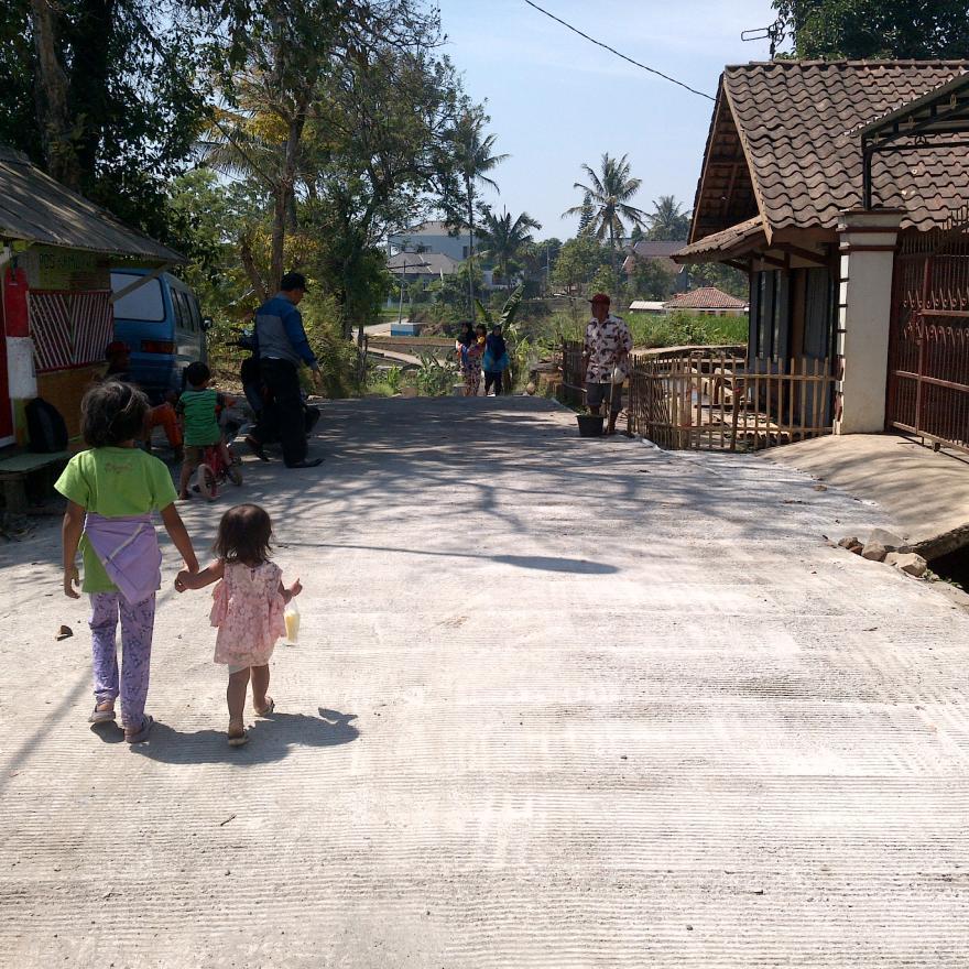 Pembangunan Jalan Desa Cikoneng -Rancabogo
